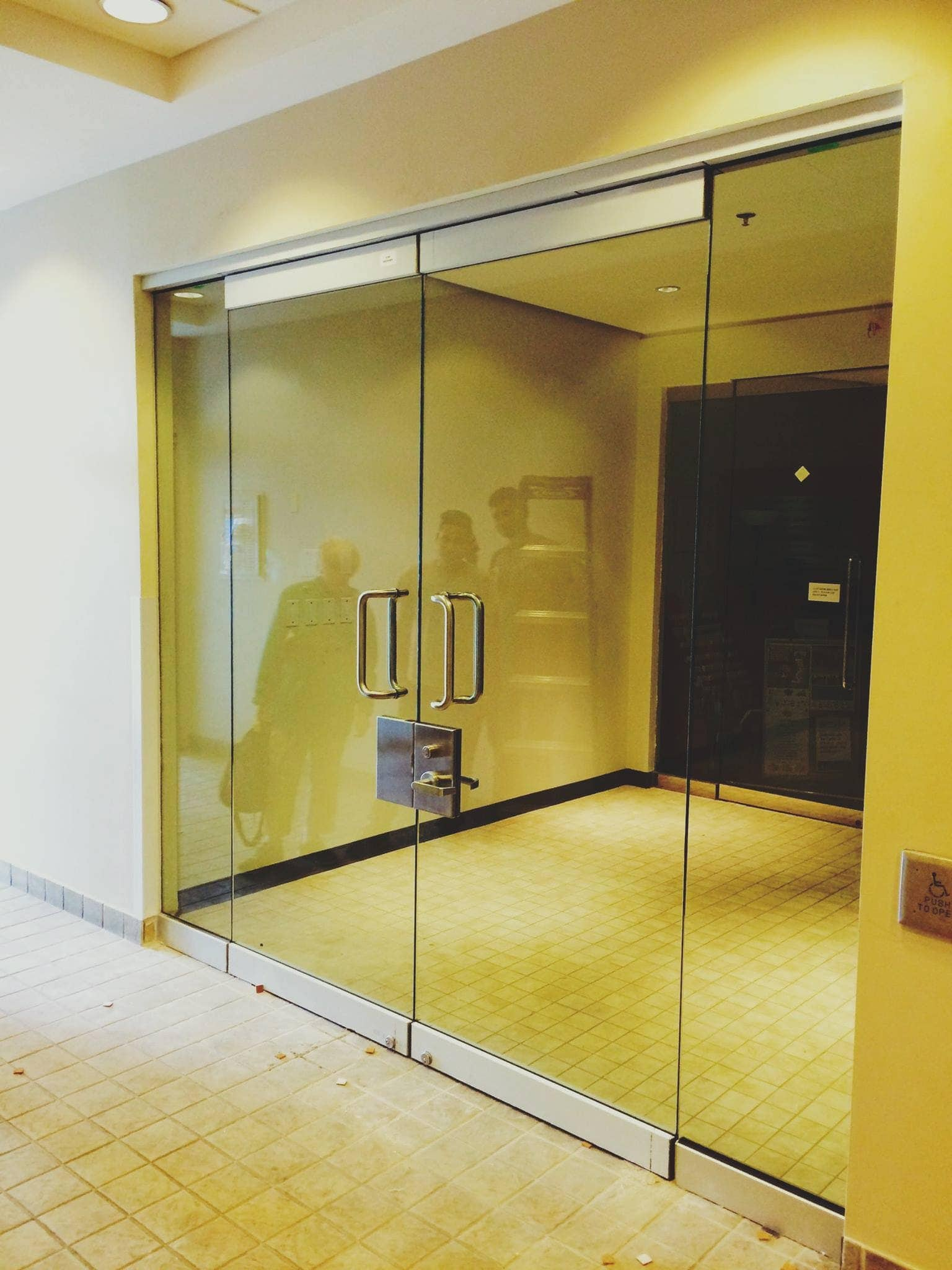 Frameless Partitions For Aluminum Doors And Windows